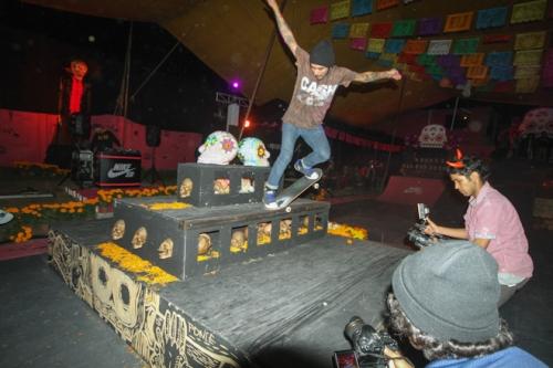 nike-sb-mexico-patinando-con-los-muertos-5