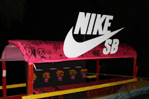 nike-sb-mexico-patinando-con-los-muertos