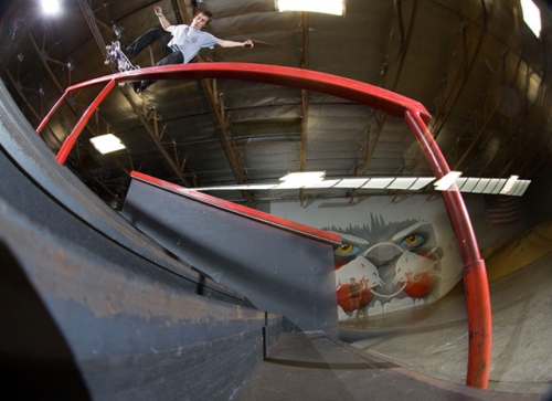 Ryan-Scheckler-Etnies-David-Reyes-Nollie-Nose-grind